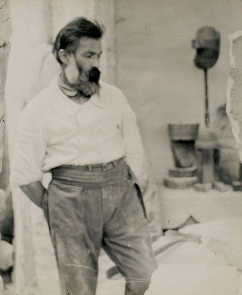 Constantin Brancusi, Self Portrait in the atelier, ca 1922