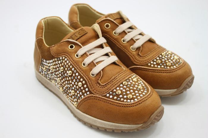Clic! Sneakers bruinleer met studs