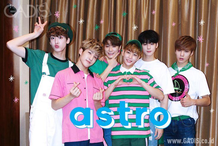 Boyband asal Korea ini baru saja mengadakan konser perdananya di Jakarta. Penasarankan dengan keseruan acaranya? Yuk, cek disini http://www.gadis.co.id/musik/showcase-di-jakarta-astro-ajak-fans-video-call-