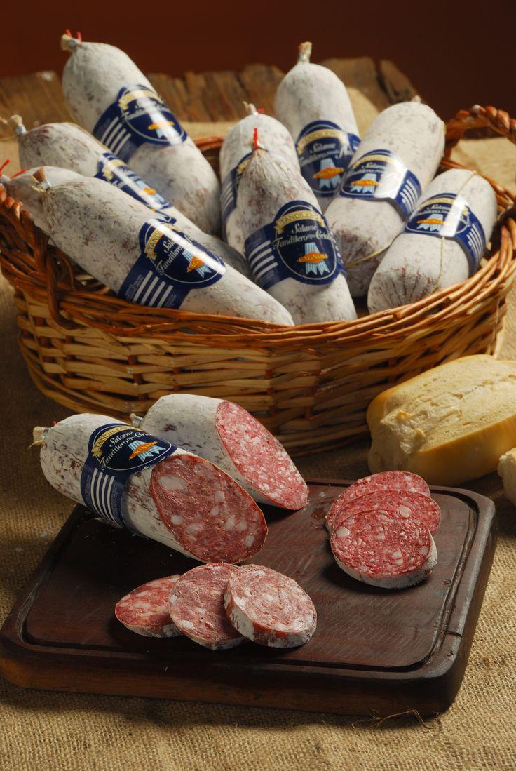 Salame Tandilero Bastón.  #cagnoli, #salamedetandil, #tandilero, #salamintandilero, #salame, #salamin, #cocina, #gourmet, #tandil, #DOT, #denominaciondeorigen, #argentina, #sausage, #spianatta