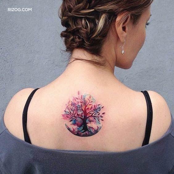 Árbol-de-la-Vida-Tatuajes-pequeños-para-mujeres-en-la-espalda