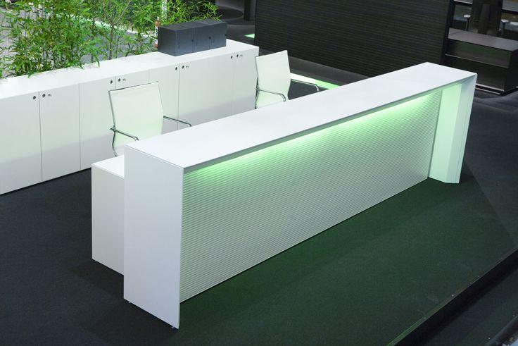 recepcion contemporaneos modernos | Fantoni, mesa recepción con electrificación incorporada y luz ...