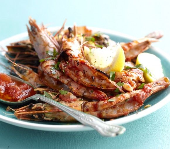 This delicious prawn recipe is dripping in lemony goodness! Who's drooling? ;)