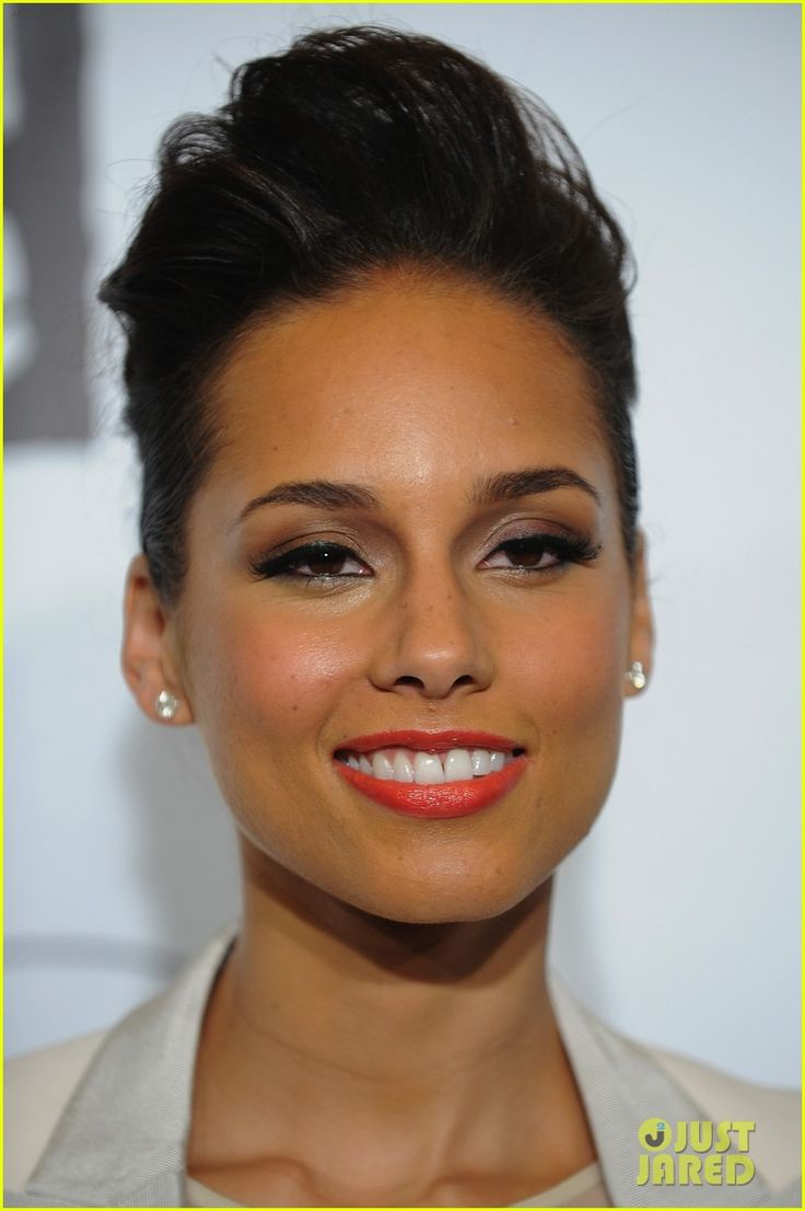 Alicia Keys -- father is African American and mother, Italian
