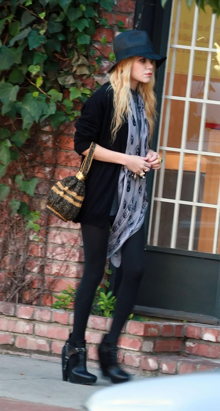 love. I will wear this exact outfit in the fall. :)