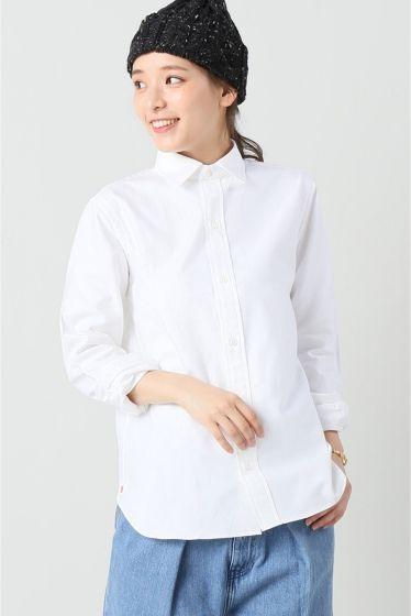 scyeオックスS.Bシャツ  scyeオックスS.Bシャツ 21600 2016AW IENA Scyeサイ クラシカルな英国トラッドをコンテンポラリーな解釈で再構築することでクラシックとモダンを融合させた新しいスタイルを提案 表層的なデザインのみならず服の本質ともいえる素材カッティング内部構造にも配慮したアナトミカルな服作りを特徴としクオリティーの高い服作りを目指すブランドです こちらの商品はIENAでの取り扱いになります 直接店舗へお問い合わせの際はIENA店舗へお願い致します モデルサイズ:身長:168cm バスト:80cm ウェスト:56cm ヒップ:84cm 着用サイズ:フリー