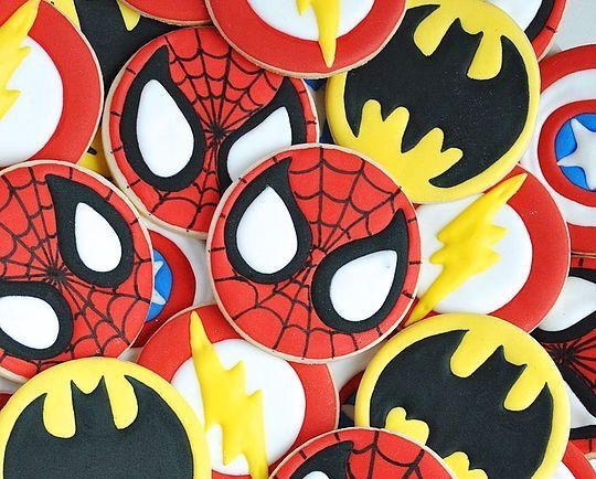 Superheroes cookies. Spiderman, Batman, Flash and Captain America sugar cookies. Little boy birthday cookies idea. Johanie les biscuits | Biscuits