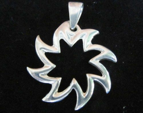 Sterling silver pendant. www.myfashionjewellry.com www.myjewellry.weebly.com e-mail: mavistar07@gmail.com
