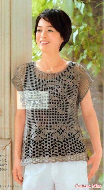 Ажурная расклешенная блуза крючком.