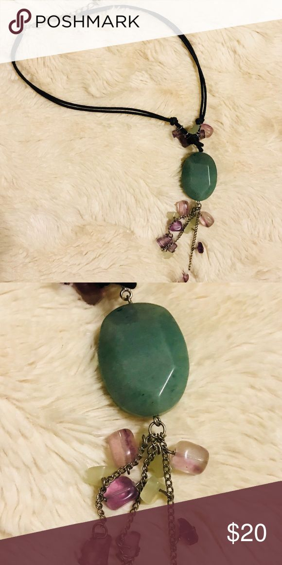 Silpada necklace Beautiful green stone necklace by Silpada Designs, jewelry is retired. Very cute, not my style maybe it's yours!! Never been worn, brand new no tags. Silpada Jewelry Necklaces