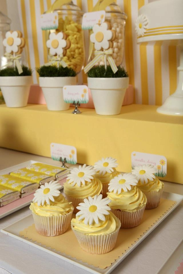 Daisy...yellow and white Party Inspiration