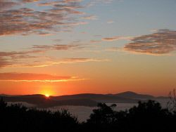 TWA-0024528 © WestPix Dawn from Mt Clarence looking east across King George Sound, Albany, Anzac Day dawn service 2013. Picture: Colin Poad