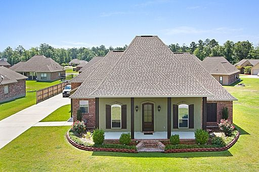 Acadian style homes acadian style homes south louisiana for Louisiana acadian house plans