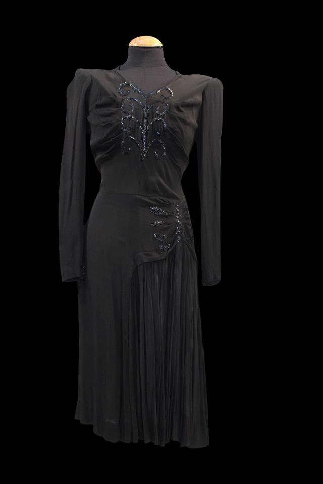Años 40 mujer #vestuario