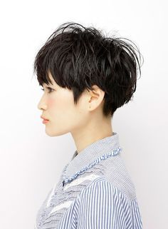 bowl cut women - Google-søgning                                                                                                                                                                                 More