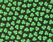 Jour tissu 100 % coton de tissu trèfles verts tissu Clover Leaf tissu tissu celtique irlandais tissu St. Patrick tissu traditions                                                                                                                                                                                 Plus