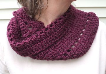 Crochet cowl free pattern from crochetbird