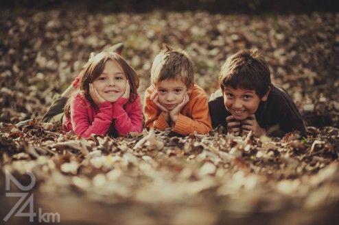 Fotógrafo de familia en Barcelona, photography, 274km, Gala Martinez, Hospitalet, family, exterior, bosque, bosc, forest, tree, otoño, tardor, autumm, germans, hermanos, brothers