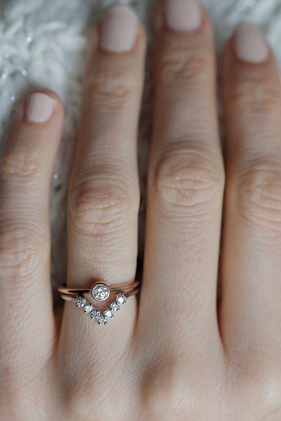 Diamond Wedding Set, Diamond Ring Set, Round Diamond Set with V Diamond Ring, 18k Rose and White Gold