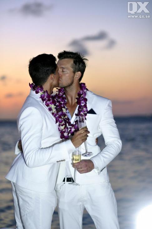 """Million Dollar Listing New York""s Fredrik Eklund marries to Derek Kaplan."