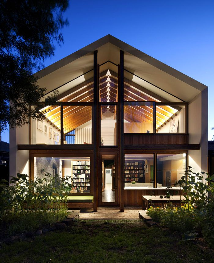 Australian House with Elegant Modern Spirit