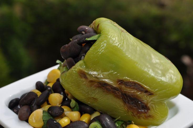 Közlenmiş Biberli Siyah Fasulye Salatası