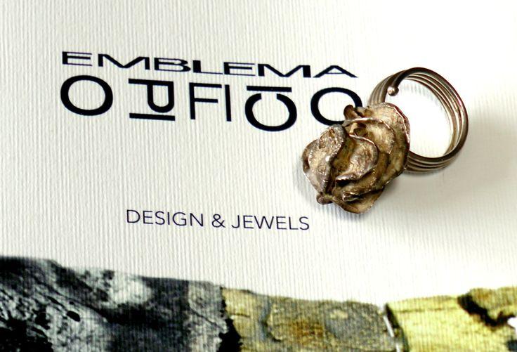 """Anello in argento """"Semi"""" di EmblemaOpificio su Etsy / Silver ring """"Seeds"""" by Emblema Opificio on Etsy.com / Bague en argent """"Graines"""" créé par Emblema Opificio en vente sur Etsy.com"""