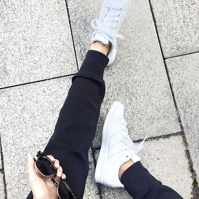 Fresh sneakers and sweats, my kinda Wednesday! 👌🏼😎👟🍕