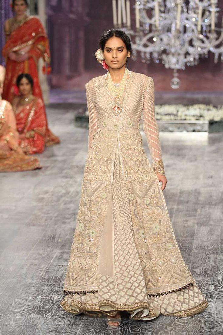 Tarun Tahiliani | India Couture Week 2016 #PM #indiancouture…