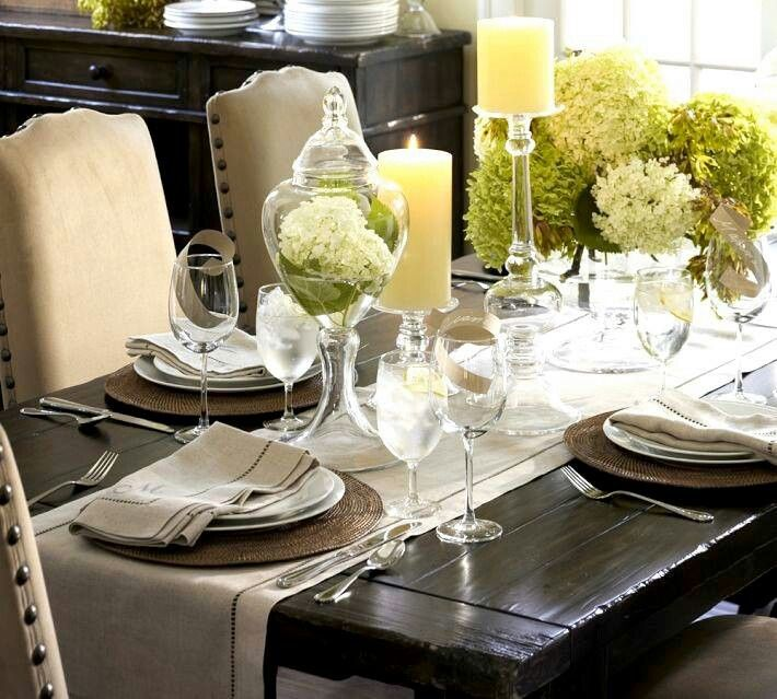 Simple Ideas On The Dining Room Table Decor: Informal Lunch Table Setting