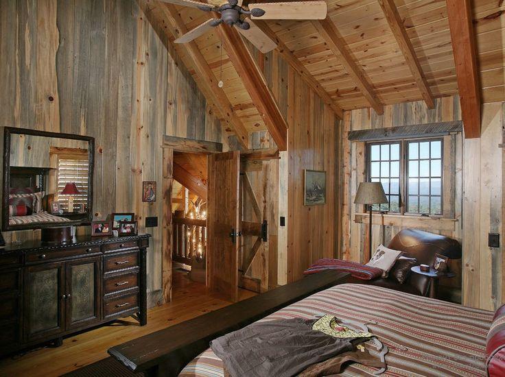 Мебель из темного дерева в интерьере деревянного дома