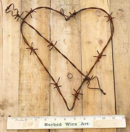 Heart Rustic Valentine Ranch Wall Decor Metal Cow Farm Barbed Barb Wire Art
