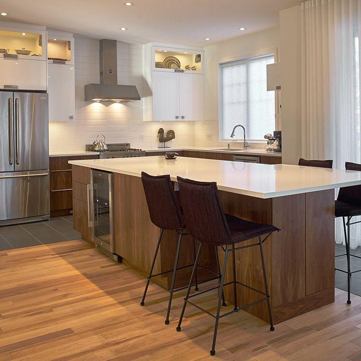 Cuisine contemporaine avec armoires en thermoplastique et - Decoration cuisine contemporaine ...