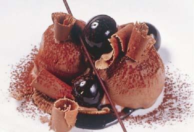 #Gelato al cioccolato croccante in salsa fondente by Fabbri 1905
