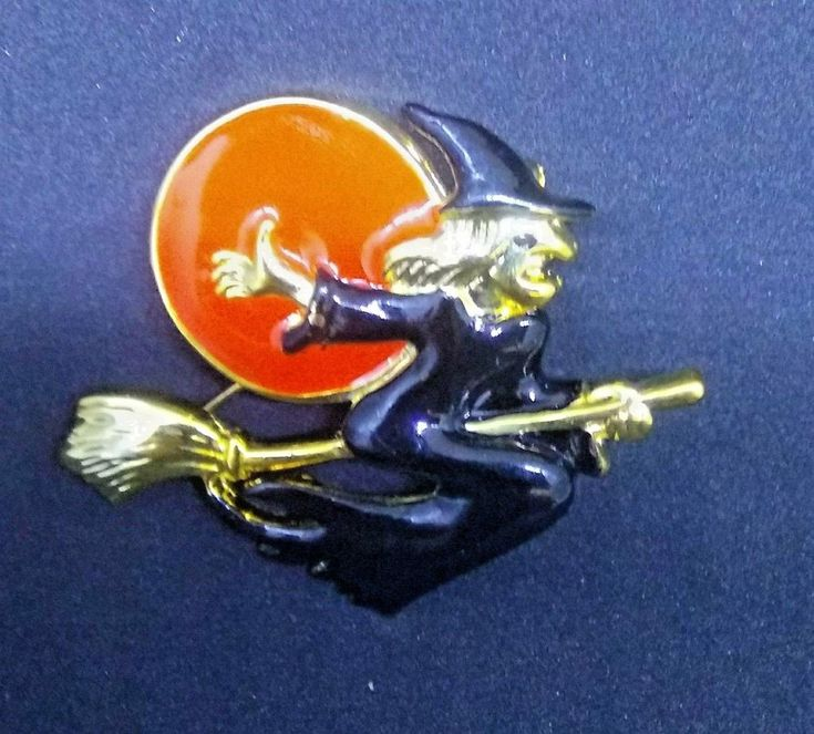 HALLOWEEN LAPEL HAT BROOCH PIN WITCH RIDING BROOM MOON GOLD TONE ENAMEL  #Unbranded