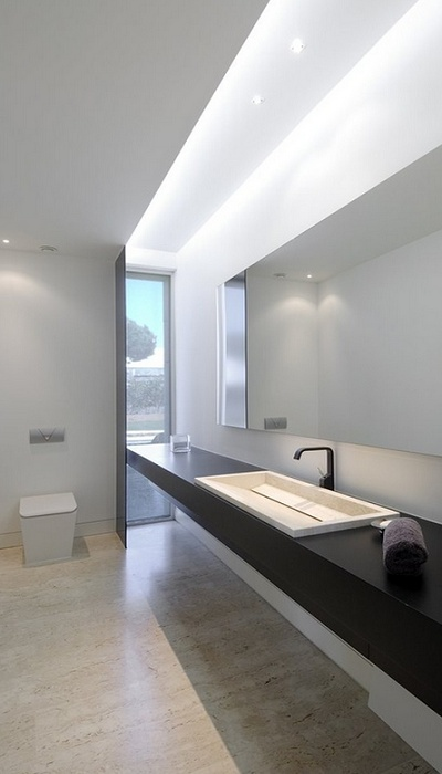House in Pozuelo by ACERO ARCHITECTS. wc by SANICO, design Lavernia & Cienfuegos.