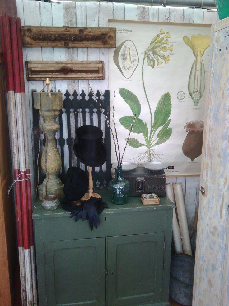 stand chatou ; ancienne affiche plante; chapeau haut de forme