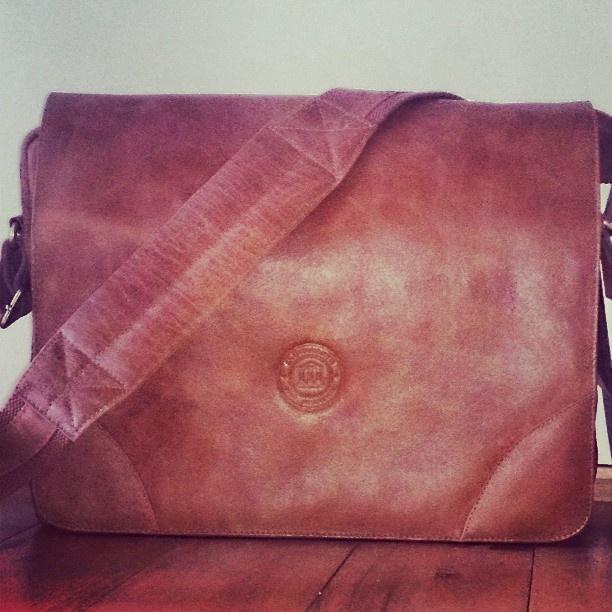 Golden tan messenger bag by @mikkelmv on Instagram.