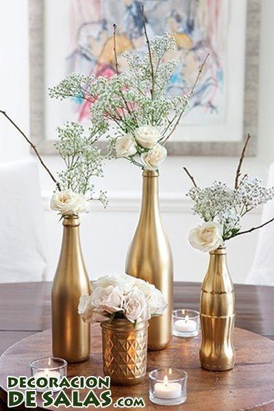 estas realizando t misma la decoracin de las mesas de la boda entonces opta por crear este centro de mesa para bodas con botellas doradas