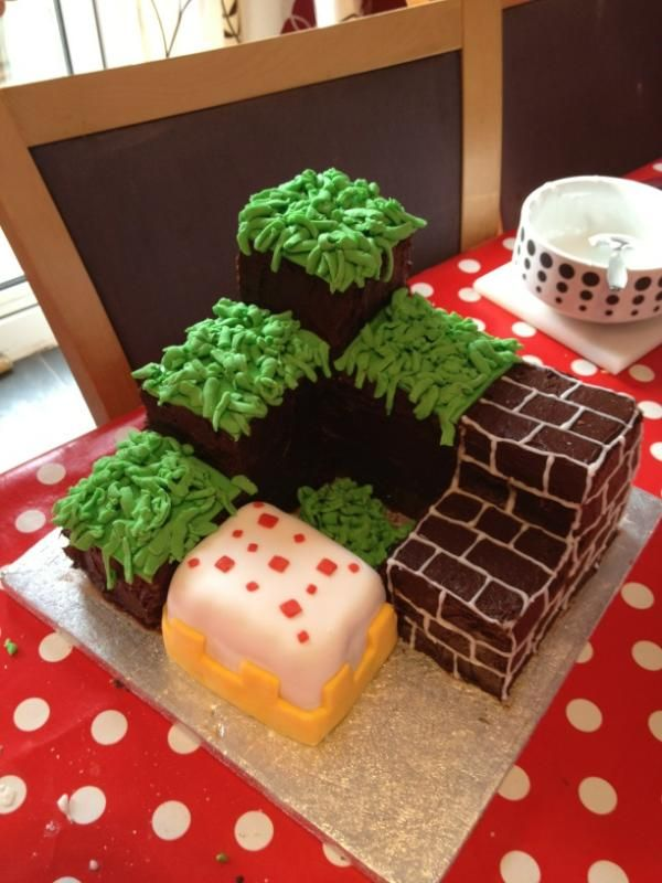 Minecraft Birthday Cake made and decorated by my daughter :-)
