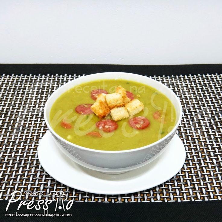 Olha, tenho que confessar, estou viciado nessa sopa, basta fazer um friozinho que já preparo. É uma sopa muito fácil, prática e claro, muit...