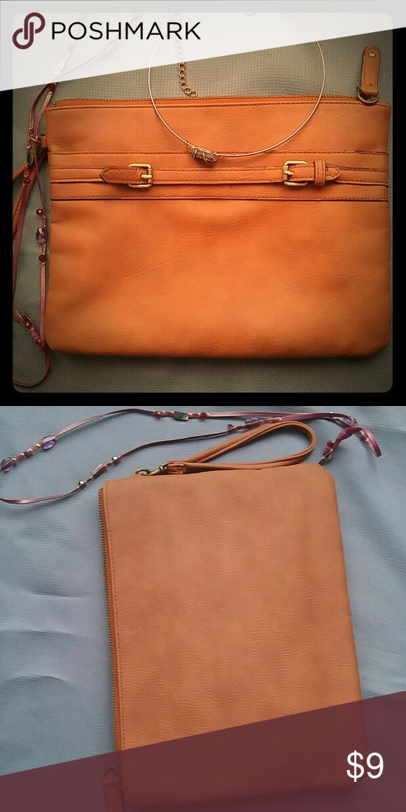 Cute cognac purse Just that nice purse for that lady on the go...must have! Makeanoffer# Bags Clutches & Wristlets