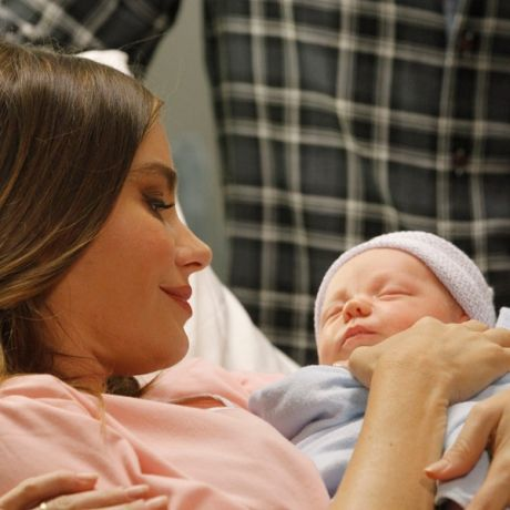 Sofia Vergara Welcomes Baby Boy — On Modern Family! (PHOTO) - Life & Style