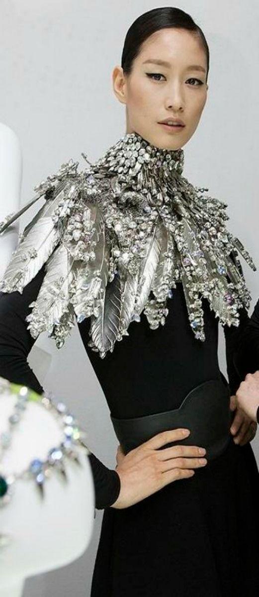 World Jewelry Facets 2013 in Seoul...wear a wreath!