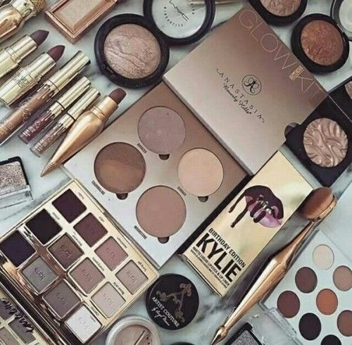 F.L.Y: makeup