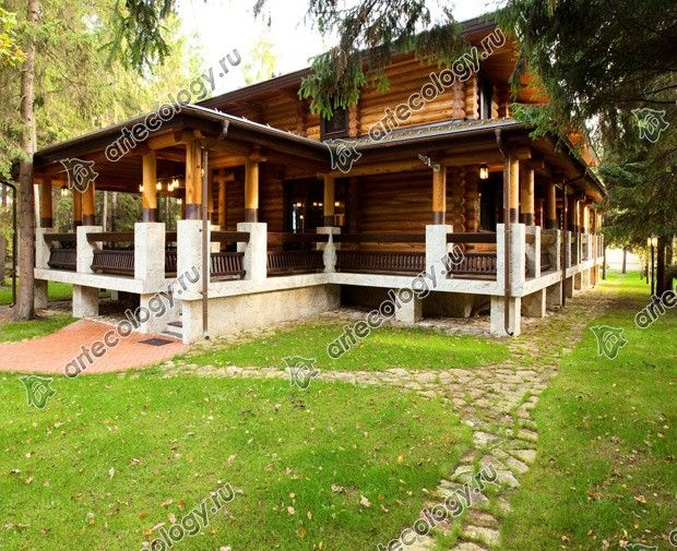 Реконструкция дома из лиственницы 2012 год. Дом со стороны веранды.