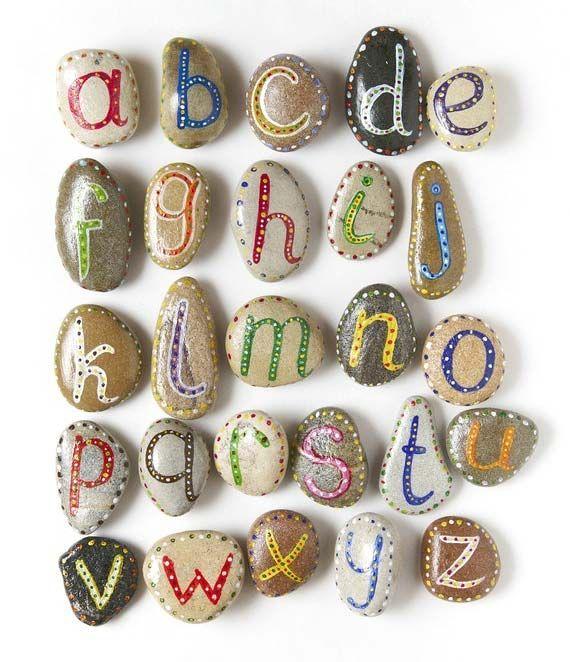Pintar piedras abecedario