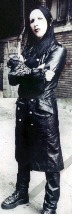 Marilyn Manson: back in the good old days. If he has a garage sale, Im TOTALLY going!!! Want his clothes...