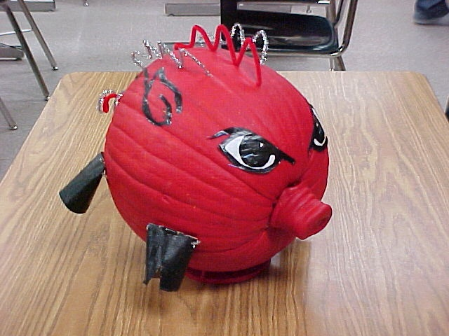 Razorback Pumpkin - I have to remember this!!!!!!!
