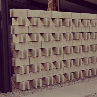 awesome wall texture with standard blocks.
